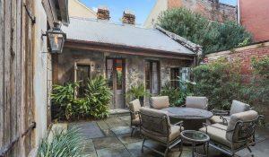 outdoor rumah tua