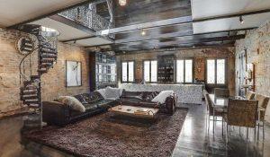 ruang keluarga rumah tua